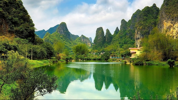 china_pond_coast_water_surface_mountains_woods_53199_2560x1440